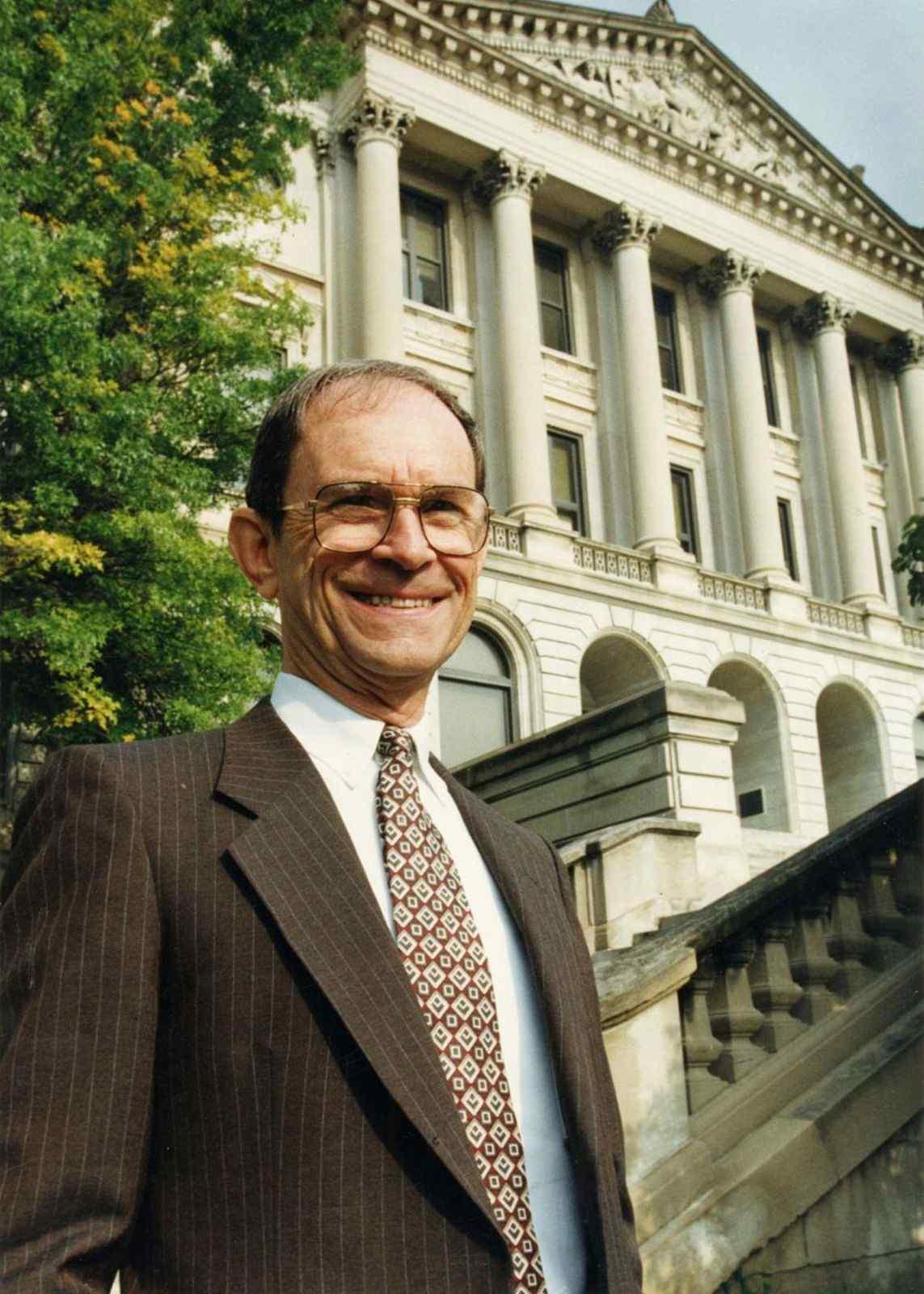 Dr. G.E. Moller